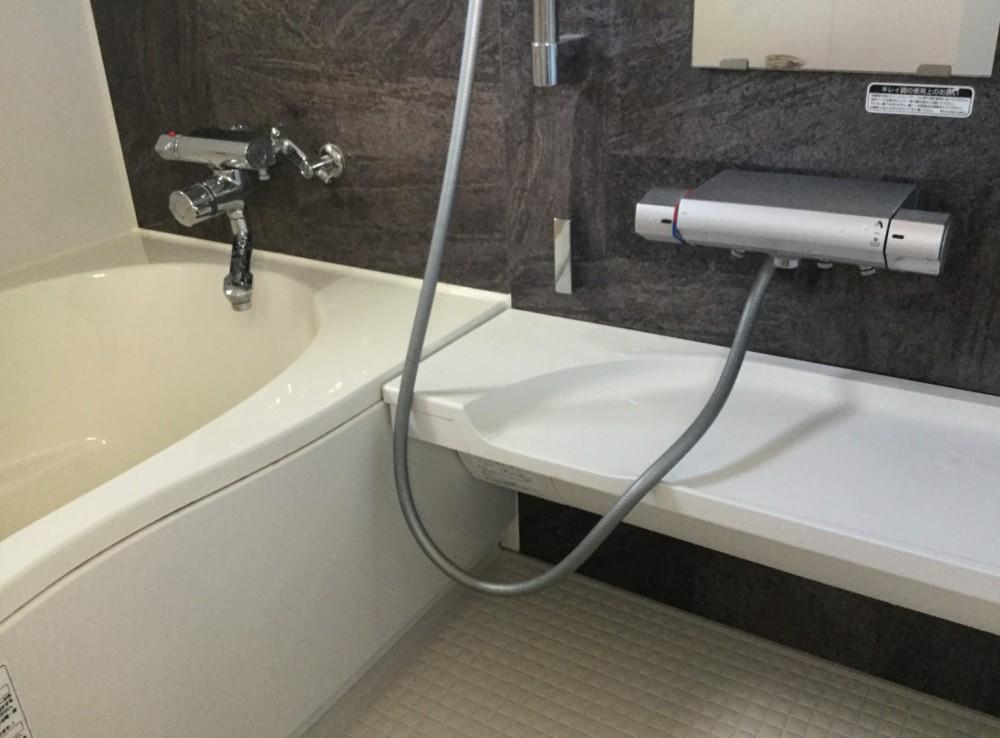 バスルームと洗面所のリフォーム -